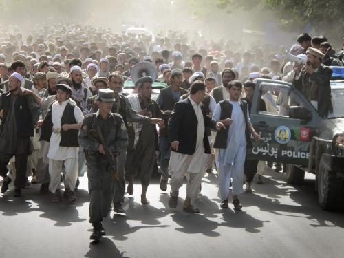 Protest proti NATO v afghánském Tálikánu
