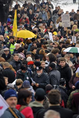 Odboráři se shromažďují k protestům