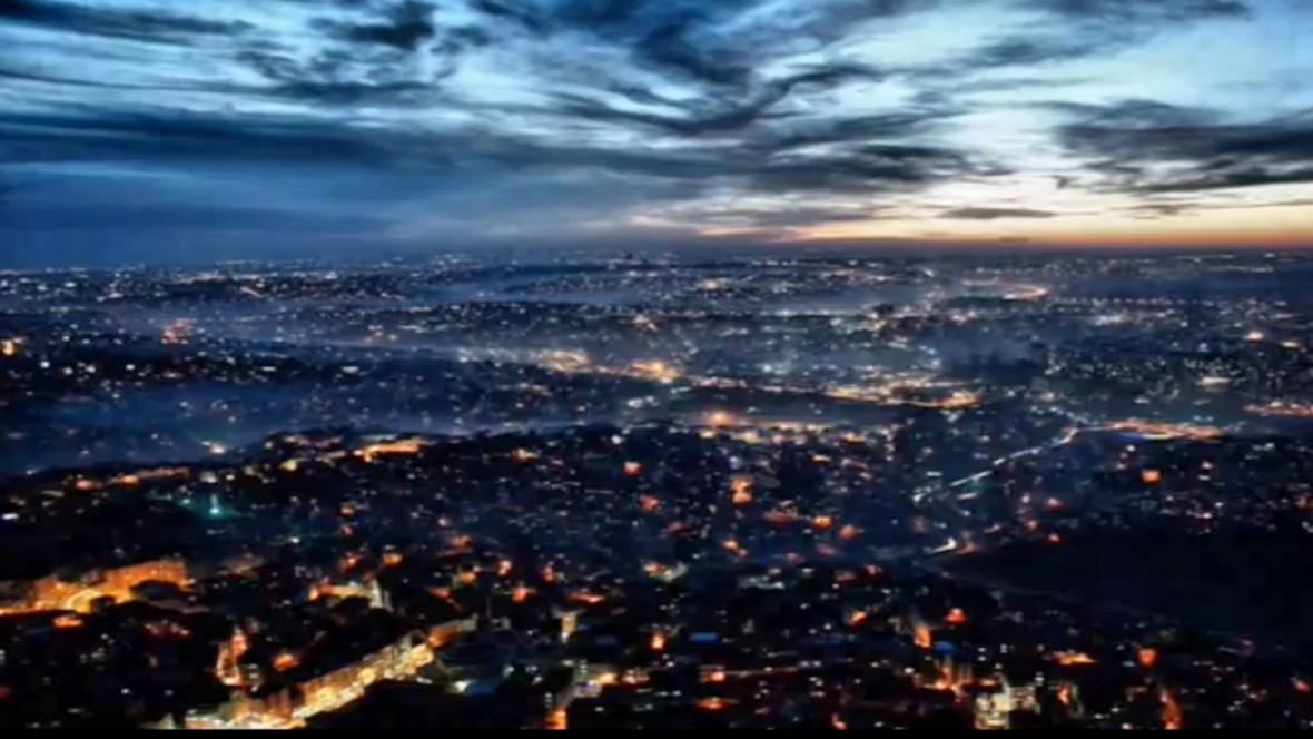 Pohled na Istanbul z mrakodrapu Istanbul Sapphire