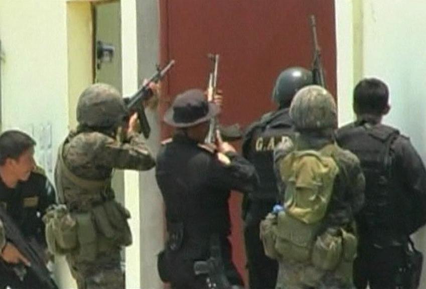 Zásah policie proti drogovému kartelu