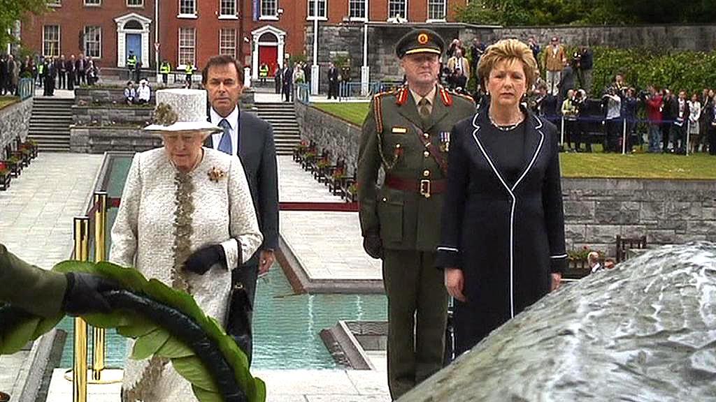 Královna Alžběta II. a irská prezidentka