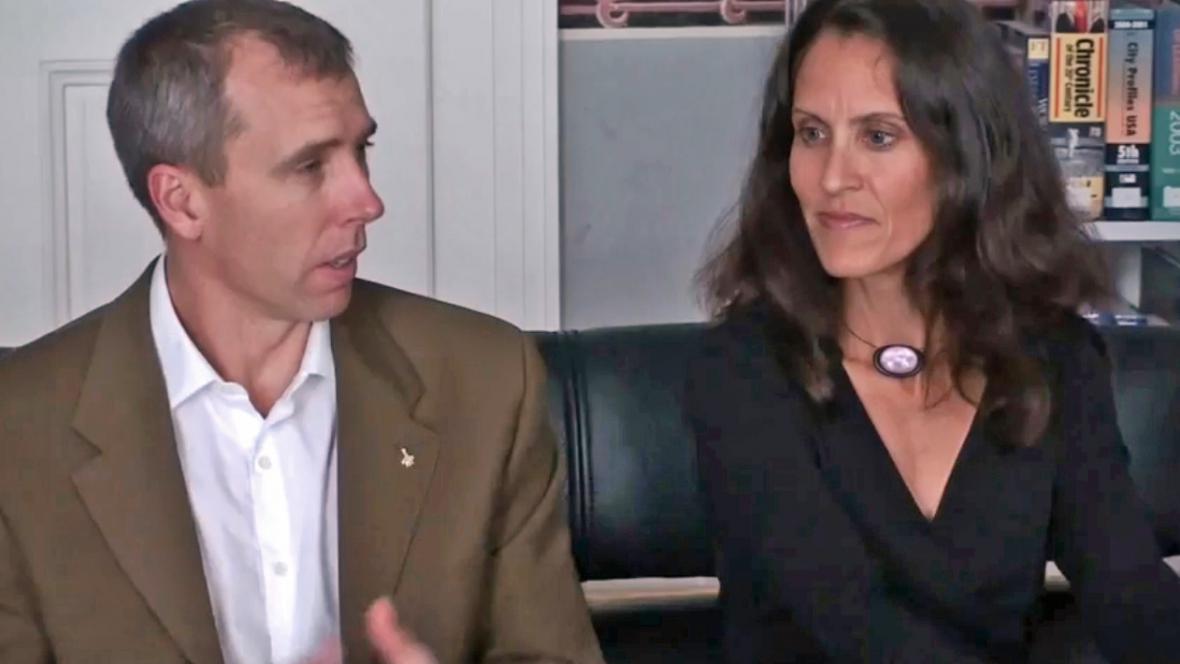 Drew Feustel s manželkou Indirou