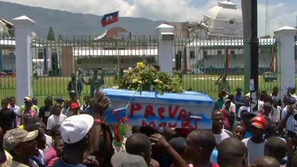 Haiťané oslavují pád prezidenta Prévala