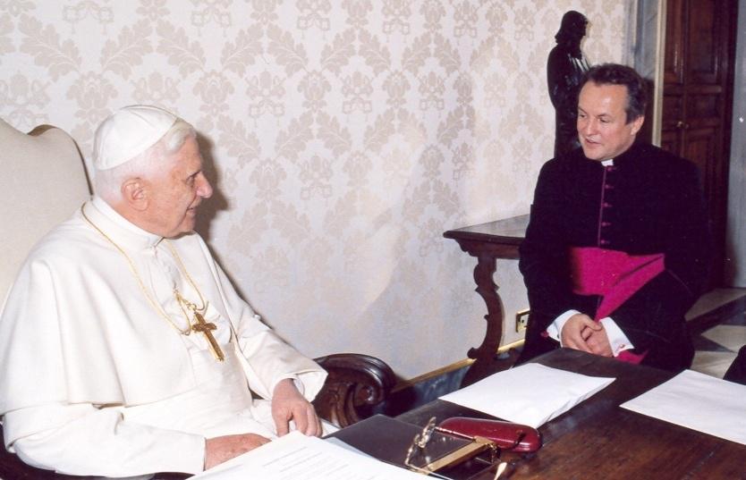 Papež Benedikt XVI. s Janem Vokálem
