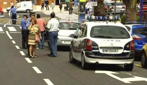 Policie vyšetřuje vraždu Britky na Kanárských ostrovech
