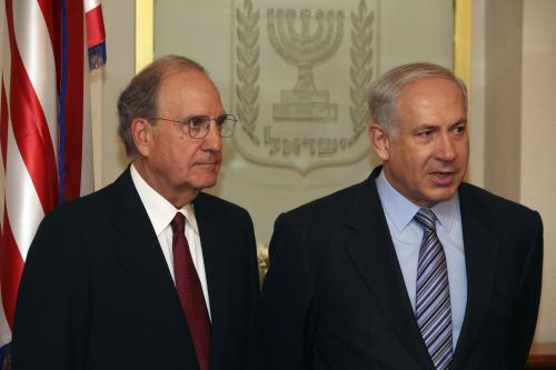 Benjamin Netanjahu a George Mitchell