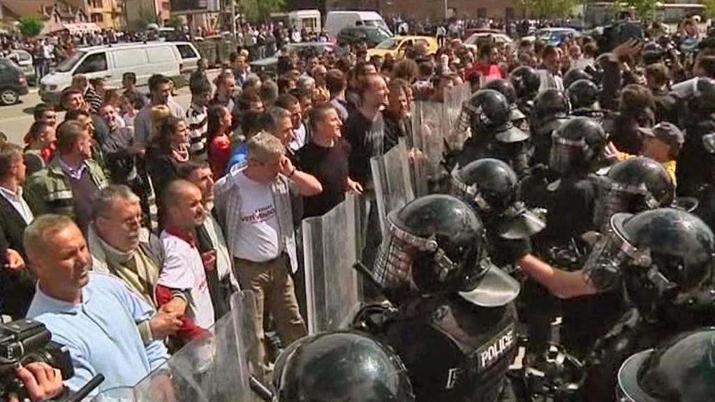 Zásah kosovské policie proti demonstrantům