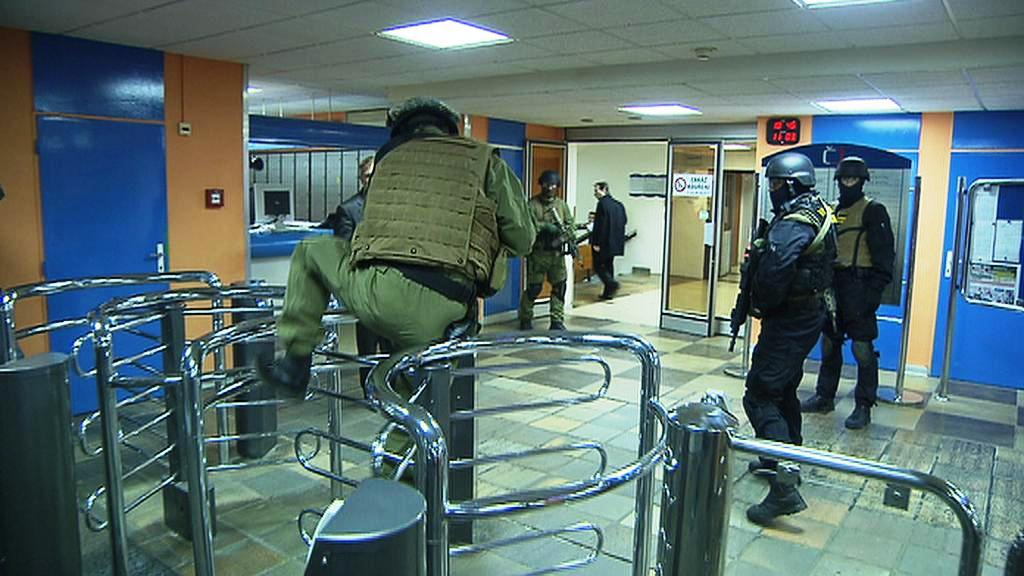 Zásah Vojenské policie v budově zpravodajství ČT