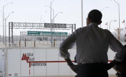 Barack Obama na americko-mexické hranici v El Pasu