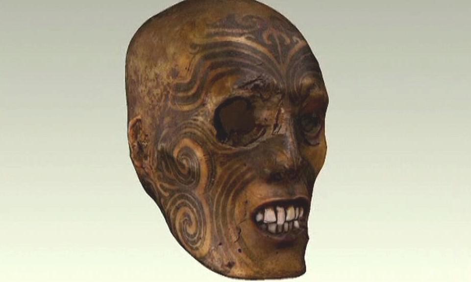 Maorská hlava se po 136 letech vrací na Nový Zéland