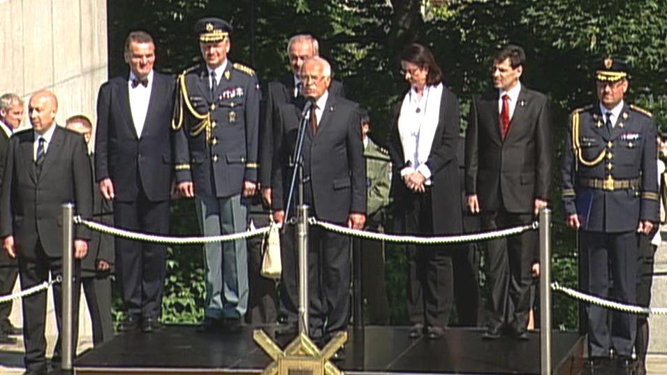 Představitelé armády a státu na Vítkově
