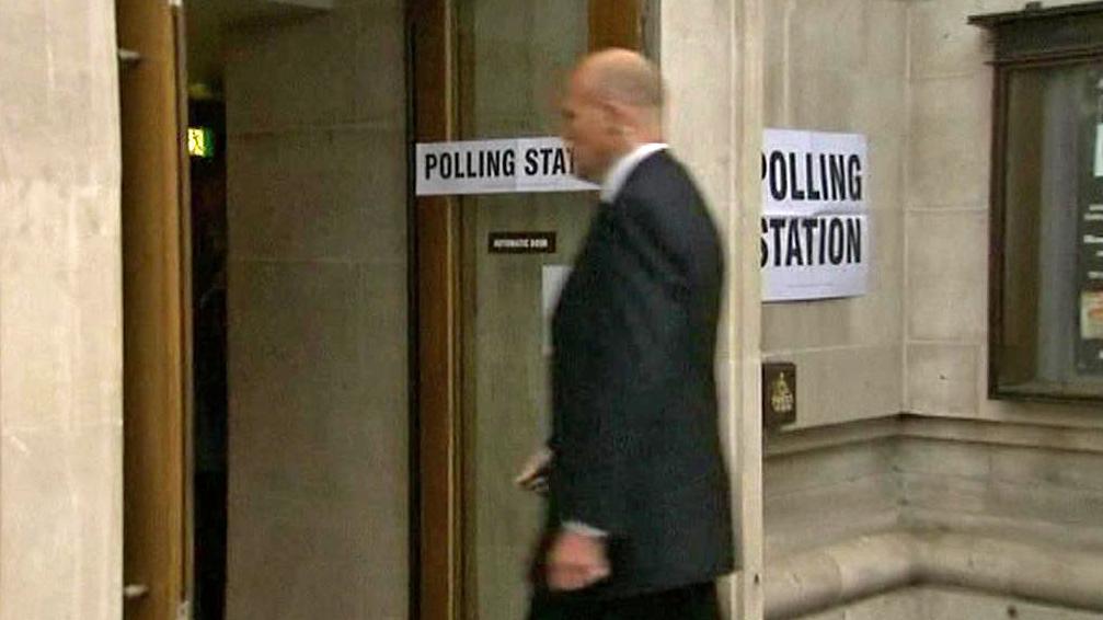 Britská volební místnost