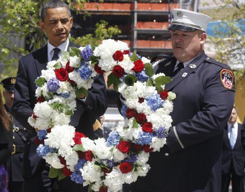 Prezident Barack Obama položil věnec na Ground Zero