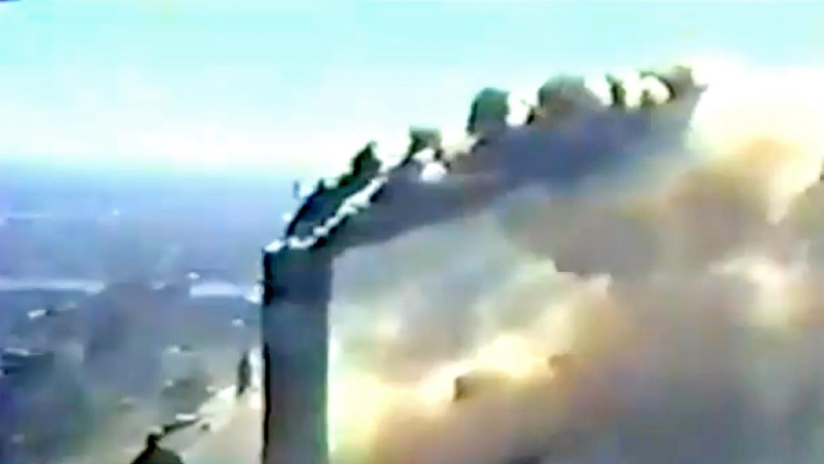 Záběry útoku z 11. září z policejního vrtulníku
