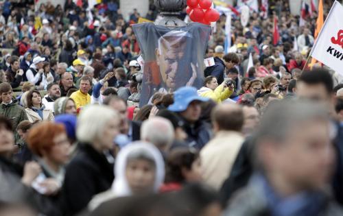Věřící na Svatopetrském náměstí