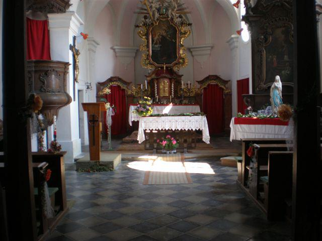 Kostel v Košticích