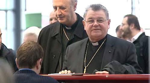 Církevní hodnostáři míří do Vatikánu
