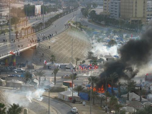 Zásah proti demonstrantům v Manámě