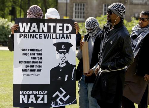 Protest muslimů proti britské královské svatbě