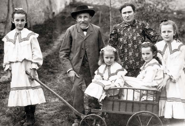 Rudolf Strimpl s manželkou a dcerami na Chlistově