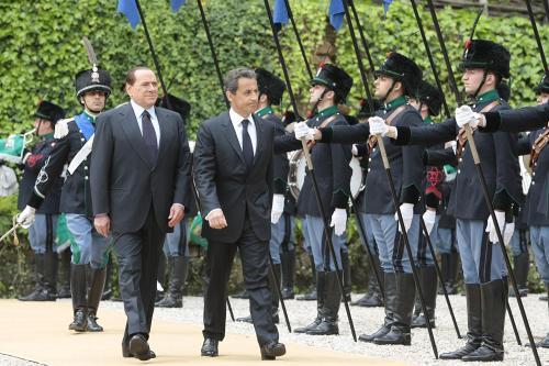 Silvio Berlusconi jednal s Nicolasem Sarkozym o situaci afrických uprchlíků
