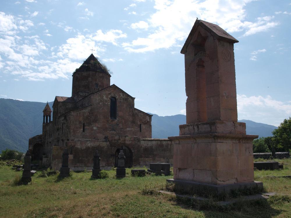 Odzun, jeden z kostelů v údolí Debed