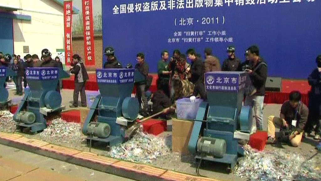 Ničení čínských padělků