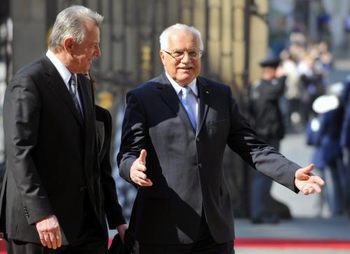 Václav Klaus se svým maďarským protějškem Pálem Schmittem