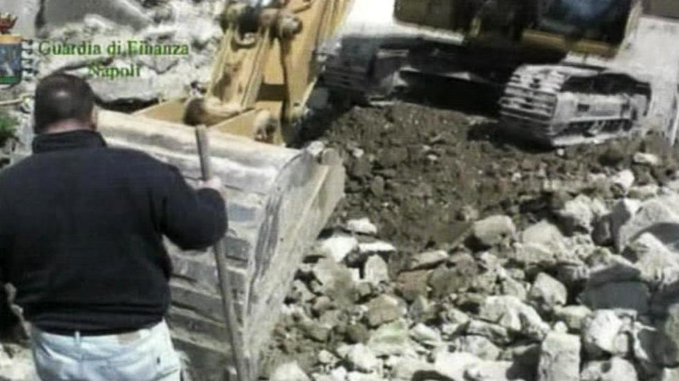 Skládka odpadu v Pozzuoli