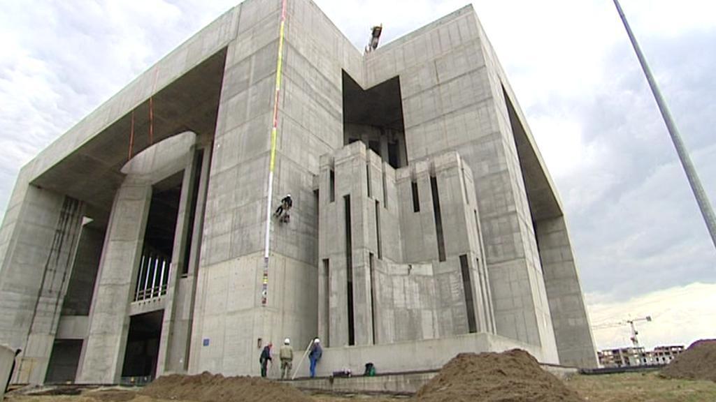 Stavba chrámu Boží opatrnosti ve Varšavě