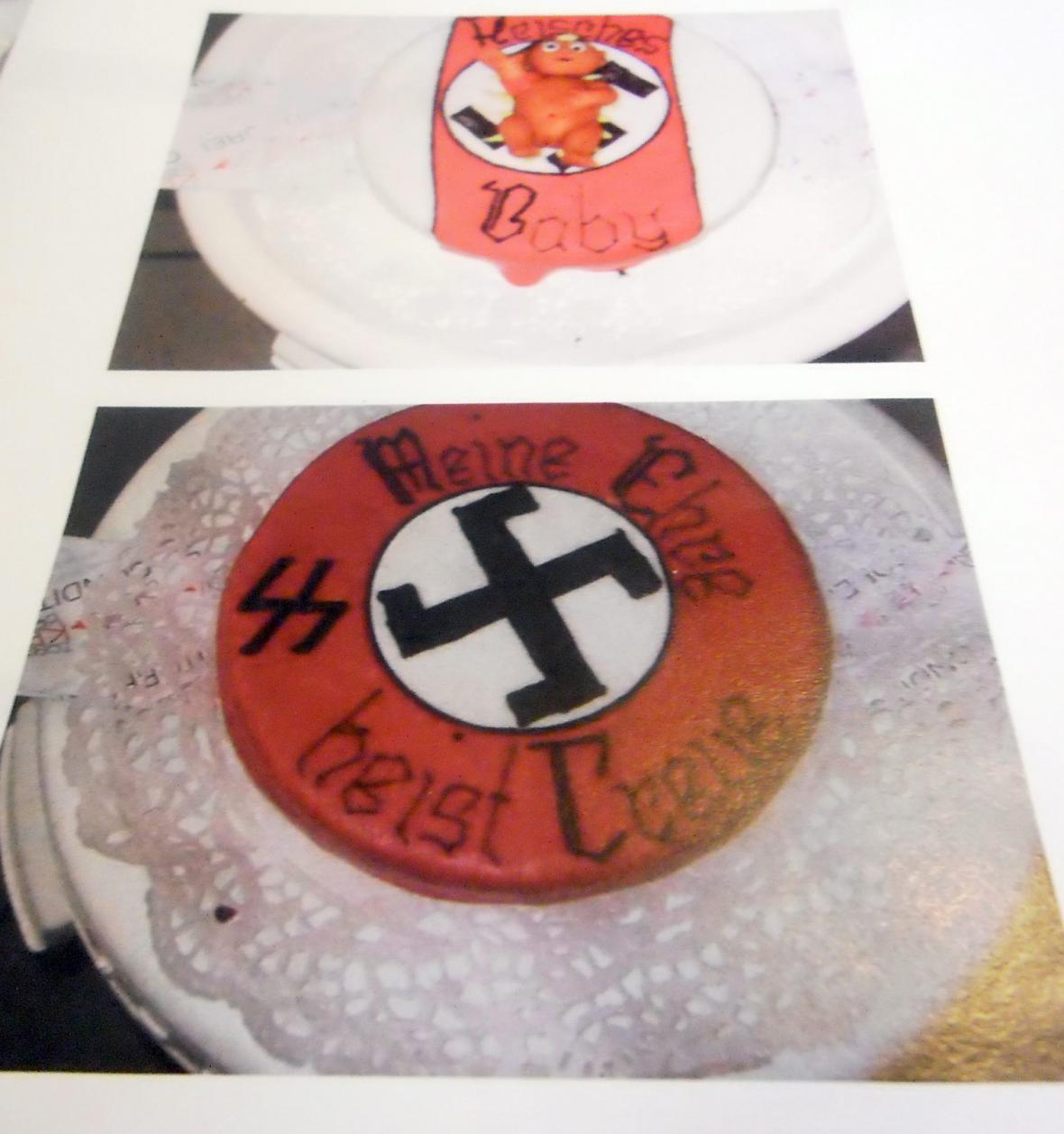 Dorty s nacistickými symboly