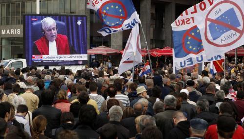 Chorvaté sledovali rozsudek na velkoplošné obrazovce