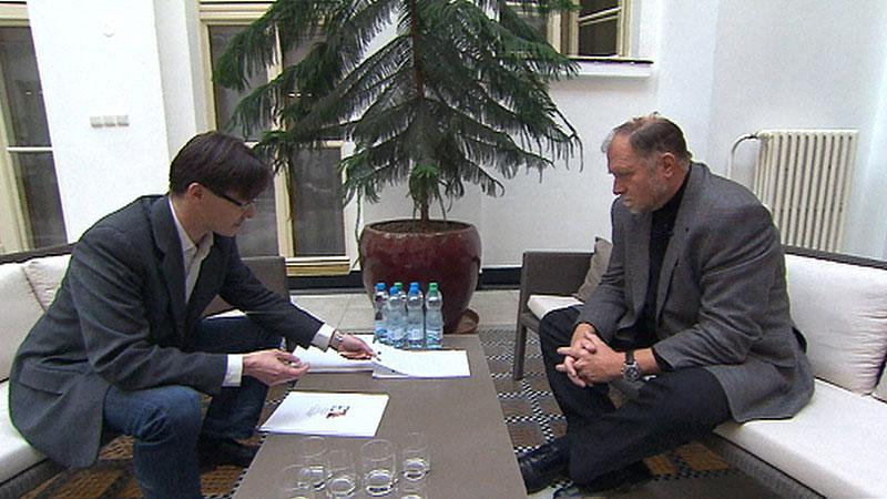 Tomáš Sokol s reportérem ČT
