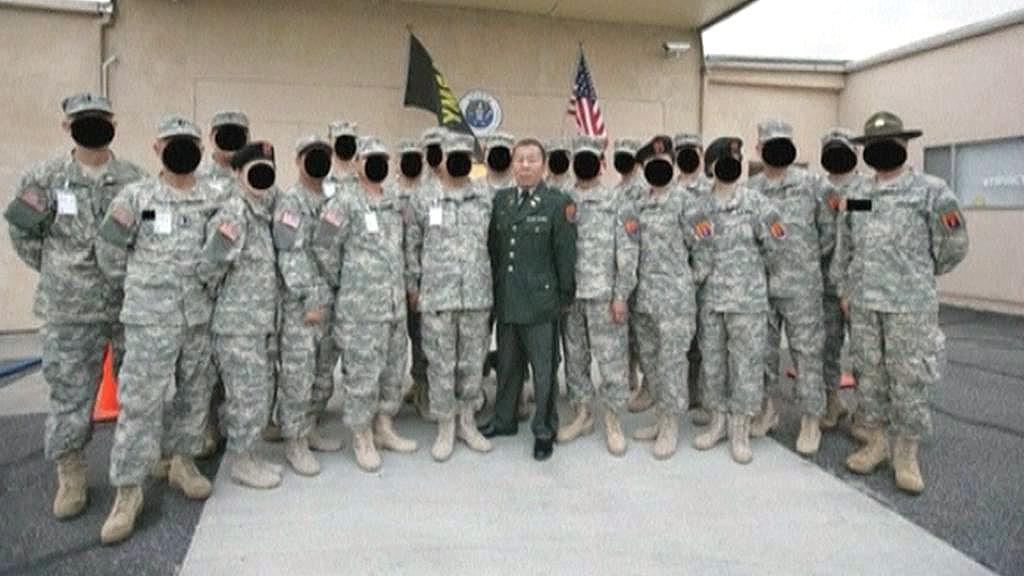 Číňan lákal krajany do falešné armády