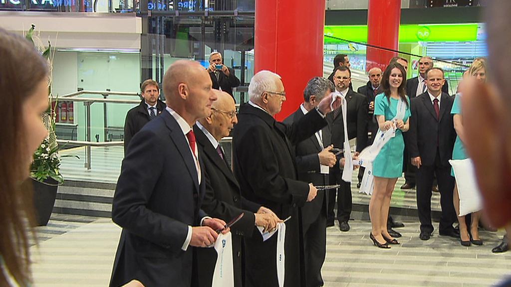 Václav Klaus při otevření nové odbavovací haly