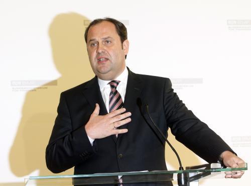 Josef Pröll odchází kvůli zdraví z politiky