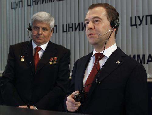 Vladimir Solovjov a Dmitrij Medvěděv