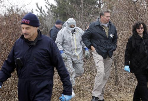 Pátrání po obětech masového vraha