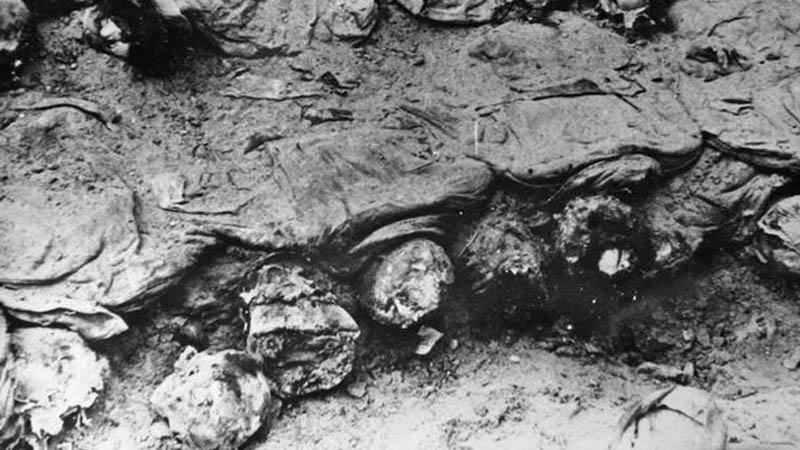 Ostatky obětí katyňského masakru
