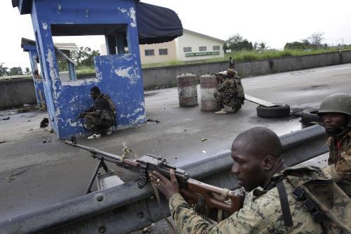 Vojáci Alassana Ouattary