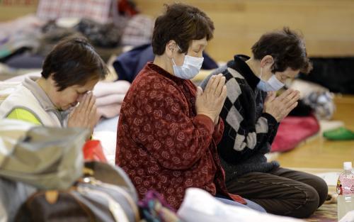 Japonsko uctilo minutou ticha oběti katastrofy