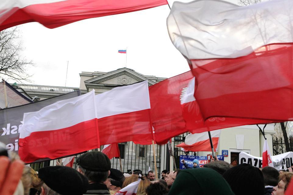 Příznivci Jaroslawa Kaczyńského protestují