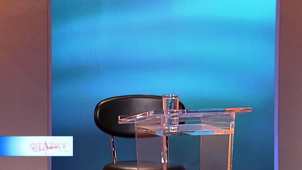 Prázdné křeslo premiéra Nečase