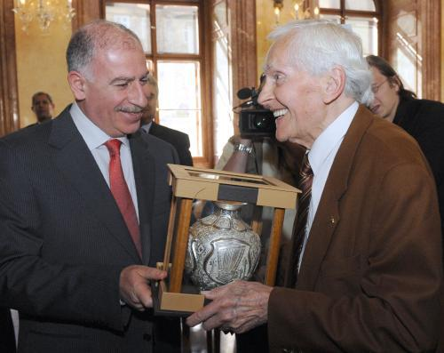 Usáma Nudžajfí (vlevo) a Miroslav Zikmund
