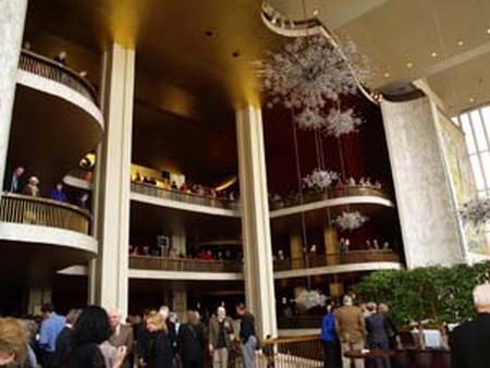 Metropolitní opera v New Yorku - foyer