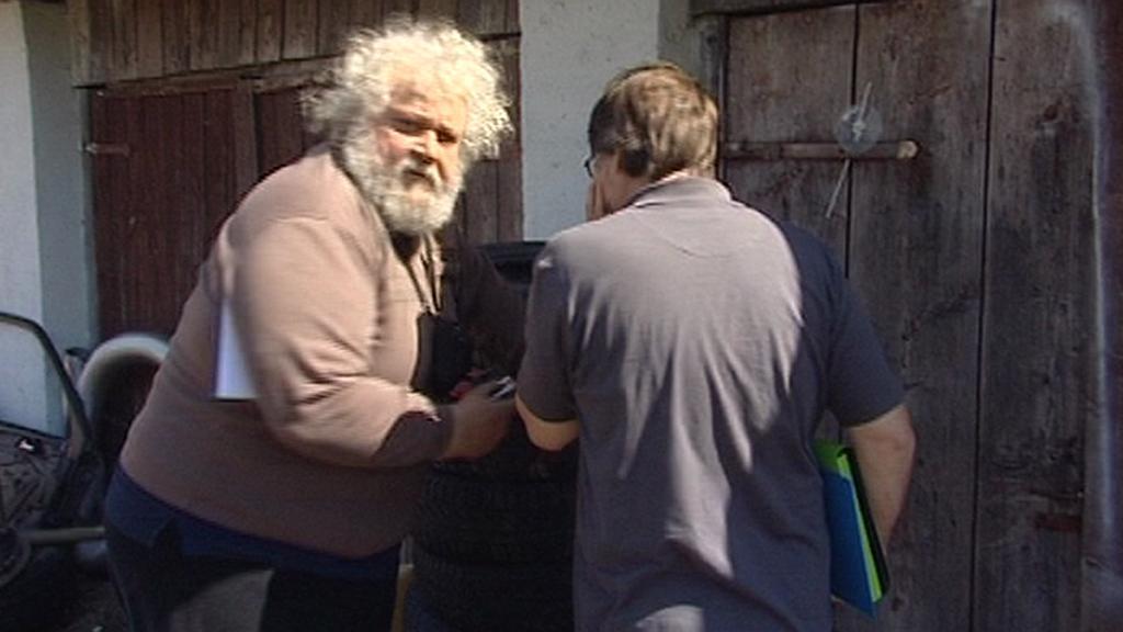 Rozzuřený majitel kobylky při natáčení