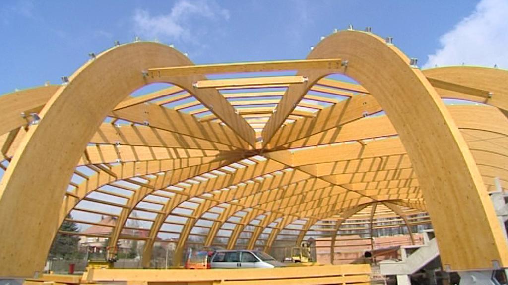 Výstavba zastřešení stadionu v Jičíně