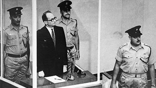 Adolf Eichmann před soudem v Jeruzalémě