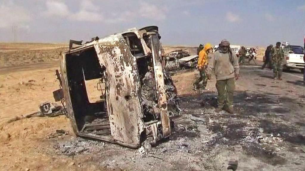 Následky útoku NATO na libyjské povstalce