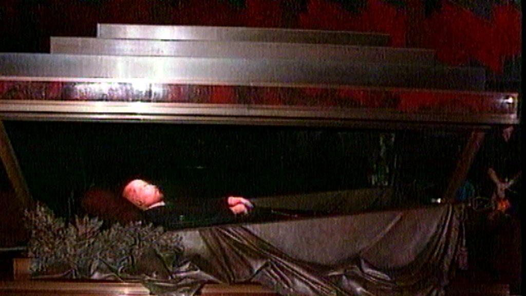Vladimir Iljič Lenin v mauzoleu